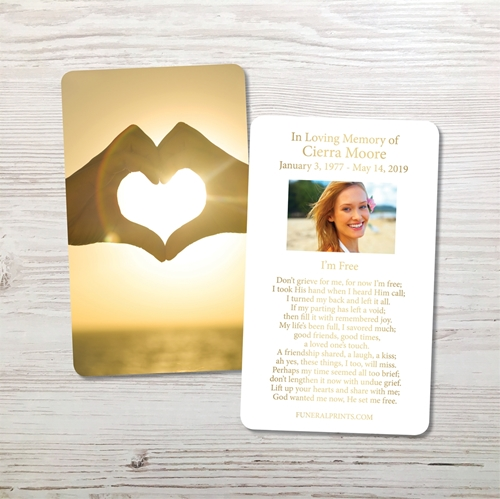 Picture of Heart Hands Memorial Card